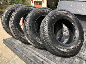 Set of 4 Goodyear Wrangler SRA OWL 255/75R17