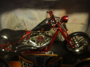 muscle machines scale 1.10 west coast choppers  cherry C F L