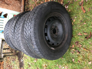 4Great Michelin Winter tires on Rims 225/70 R16.  bolt 5X114.3
