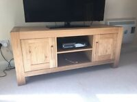 Oak Veneer TV Unit and Matching Coffee Table (Top Quality)