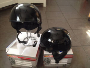 Helmets with retractible visor brand new size S $ 60.oo each
