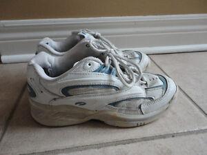 Women's Brookes White/Blue running walking shoes Size 7 London Ontario image 2