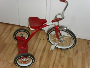 vieux tricycle