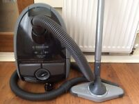 Philips expression cylinder vacuum cleaner.