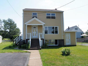 ALL INCLUSIVE - FULLY FURNISHED - 5670 NORMANDY DRIVE North End
