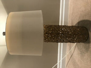 Large Brass Table Lamp- like new!!