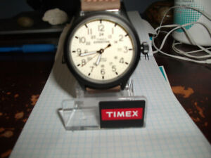 MEN'S TIMEX EXPEDITION WATCH.LIKE NEW .