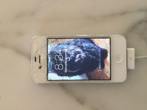 iPhone 4S 16GB Unlocked with cracked screen