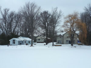 2 cottages off the trails in White Lake 30min from 2 ski hills