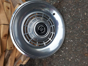1977 Ford LTD 14 inch hubcaps