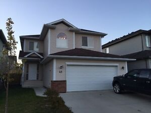 Fort Saskatchewan Executive House for Rent - Fully Furnished
