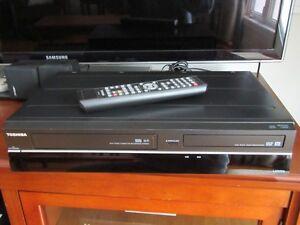 Toshiba DVR620 (VHS to DVD Recorder)