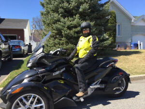 Can-am Spyder St 2014, seulement 8000 km!