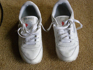 Women Reebok Classic leather running shoes