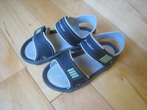 Size 9 Toddler boys Rider Sandals
