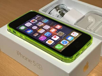 iPhone 5S 32gb, PERFECT WORKING CONDITION under warranty
