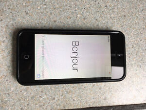IPHONE 5C BLANC 16 GB AVEC BELL West Island Greater Montréal image 1