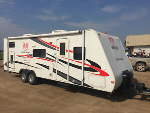 Limited Edition Dodge R-Vision D-26BHS Travel Trailer (26')
