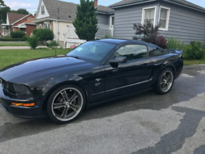 2006 Mustang GT - Certified, CARPROOF Avail. Low km V8, 5 Speed