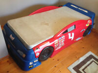 Step 2 Convertable Race Car Bed