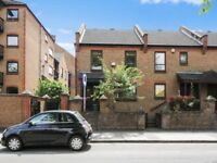 3 bedroom house in Manchester Road, Isle of Dogs E14