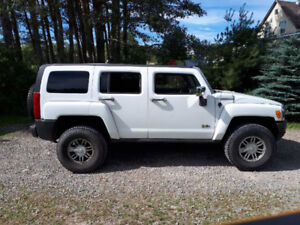 2008 HUMMER H3 SUV .   $8,000 Firm