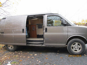 chevrolet express 1500 grise camper van safari condo west vr longueuil rive sud kijiji. Black Bedroom Furniture Sets. Home Design Ideas
