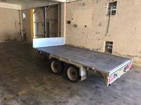 indespension twin axle trailer.
