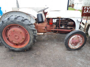 ford 9N tractor & ford 7 FT 3pth blade Lots of new parts