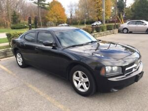 2010 Dodge Charger.. no accident.. no rust.. mint condition