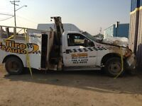 DAMAGED Ford F-350 FOR PARTS