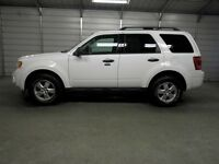 2011 Ford Escape XLT  2,5L BLANC