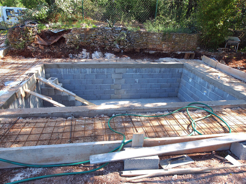 How to build a block swimming pool ebay for Diy small pool