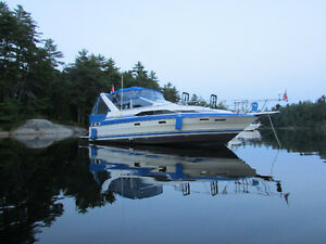BOAT IS IN GREAT SHAPE & RUNS PERFECT!