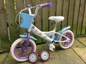 Frozen starter bike, great condition, removable stabilisers, little basket Must See!