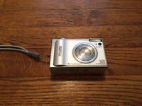 FujiFilm F10 Digital Camera (Metal Body) - No Trades *Best Price