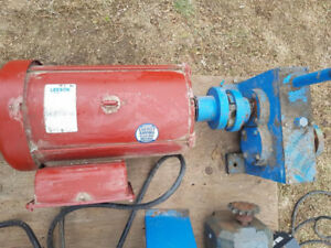 Leeson 10 HP 220V Single Phase Motor with Gear Reduction