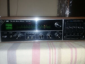 NEAR mint condition. JVC-VR-5541 stereo receiver. 50 w/c.VINTAGE