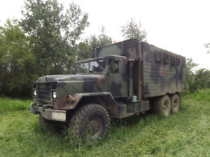 1984 US army truck 6x6 mobile command unit