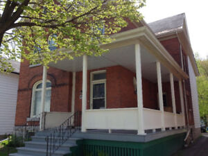 ROOMS FOR SUMMER SUBLET IN FIVE BEDROOM HOME