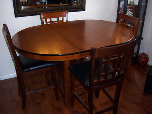 Counter Height Table with leaf and 4 Chairs