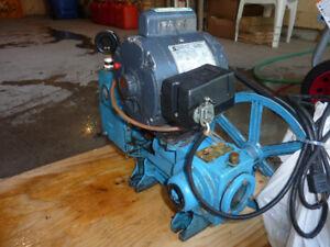 Pompe à eau, piston