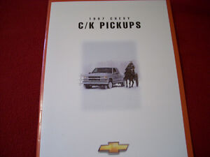 1997 Chevy C/K pick ups sales brochure