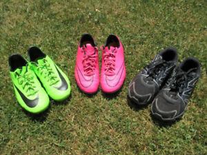 Nike Soccer Cleats / Shoes -- Men's Sizes 4 and 4.5 (for Youth)