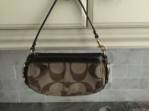 0c690c61e2 Authentic Coach Purse | Kijiji in Oshawa / Durham Region. - Buy ...