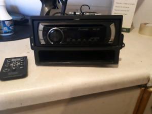 radio auto cd auxiliaire...