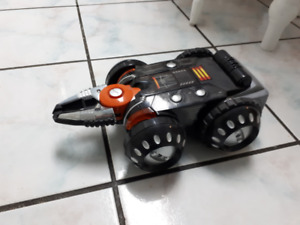 Battle Bot Style Remote Control Land rover