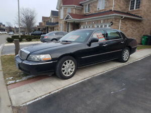 Lincoln Town car for sale 2011