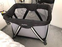 Nuna sena mini travel cot & organic fitted sheet