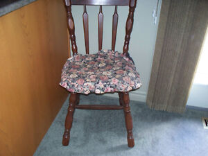 SOLID WOOD SIDE CHAIR WITH SEAT CUSHION Kawartha Lakes Peterborough Area image 3